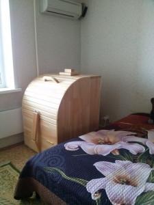 Фитобочка установлена в спальне