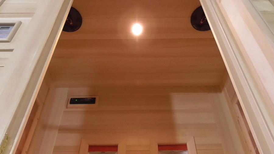 колонки Pioneer в инфракрасной сауне с керамическими нагревателями
