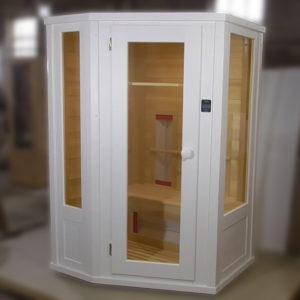 Видеообзор двухместной кедровой ик-сауны белого цвета